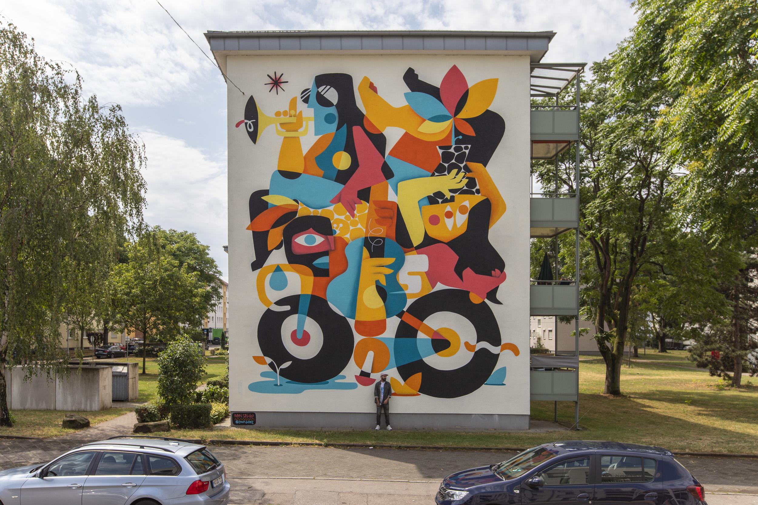 """Mural von Ruben Sanchez """"Multicultural Balance"""""""
