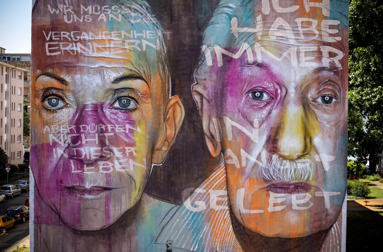 """Mural """"Gegen das Vergessen"""" von AKUT"""